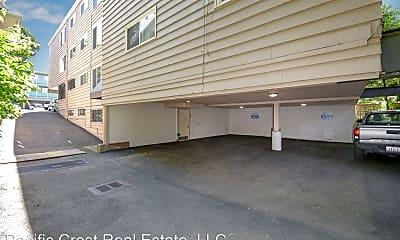 Building, 423 11th Ave E, 2