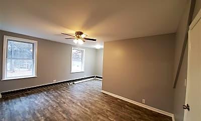 Living Room, 425 Plainfield Ave 4, 1