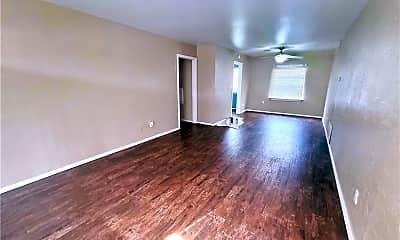 Living Room, 1711 N Sapulpa Ave, 1