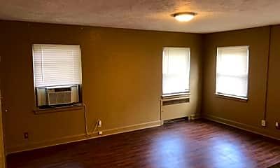 Living Room, 1421 SE 2nd St, 1