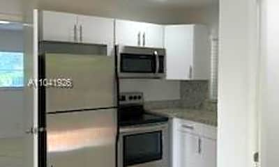 Kitchen, 2910 NW 6th Ct 2, 2