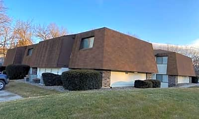 Building, 1150 Luster Ln, 1