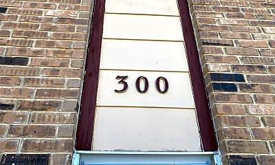 Bathroom, 300 Moursund Blvd, 1