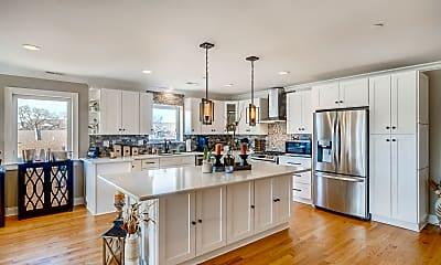 Kitchen, 515 Summit Ave D, 1