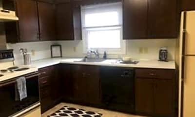 Kitchen, 241 Schilling St, 1