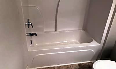 Bathroom, 104 Daisy Cir, 2