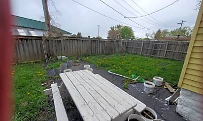 Patio / Deck, 324 Southside Pkwy, 2
