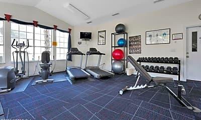 Fitness Weight Room, 190 Veracruz Dr 122, 2