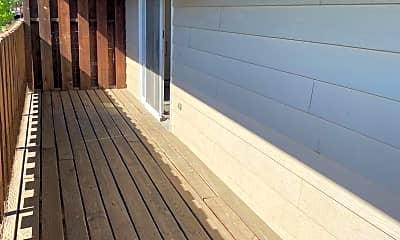 Patio / Deck, 416 15th St NE, 1