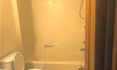 Bathroom, 14 Jefferson St E, 2