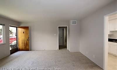 Living Room, 562 Bancroft Ave, 1