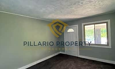 Living Room, 3722 N Illinois St, 1