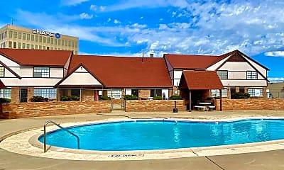 Pool, 3815 Englewood Cir, 0