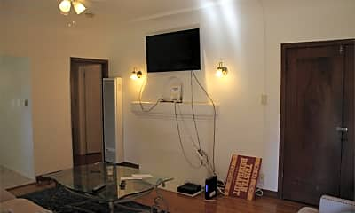 Kitchen, 715 W 30th St, 1
