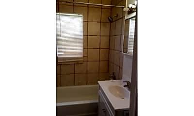 Bathroom, 3021 10th St, 2