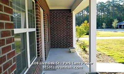Patio / Deck, 118 Live Oak St, 1