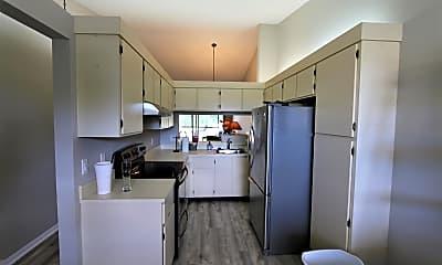 Kitchen, 1502 Pinecrest Cir C, 1