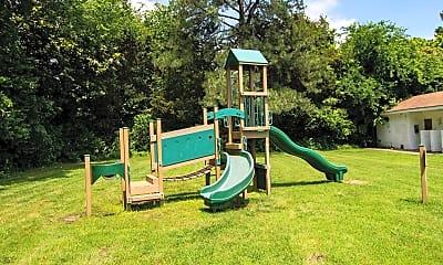 Playground, Harborstone, 2