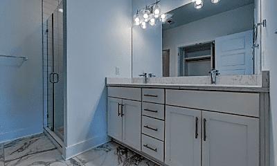 Bathroom, 324 Queen Ave, 2
