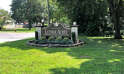 Luther Acres, 1