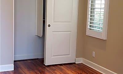 Bedroom, 79 Thornapple, 1