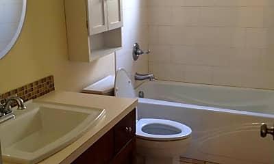 Bathroom, 2014 Hoyt Ave, 2