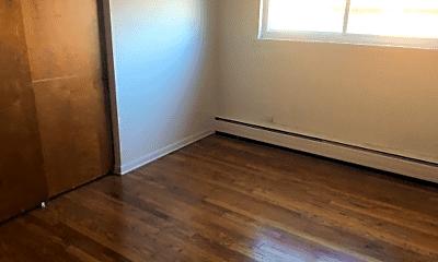 Bedroom, 4909 N Pulaski Rd, 1