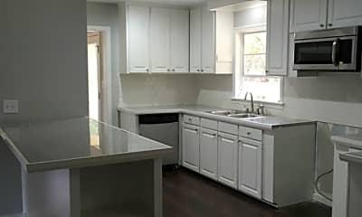 Kitchen, 304 Colonial Cir, 1