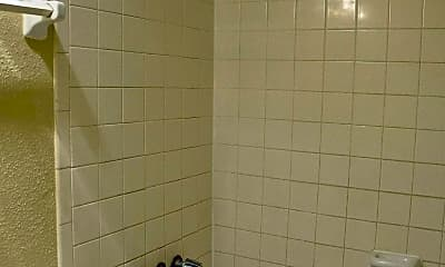 Bathroom, The Plaza at Hobby Airport, 2