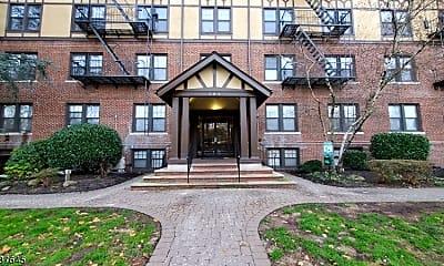 Building, 304 Hillside Ave A02, 0