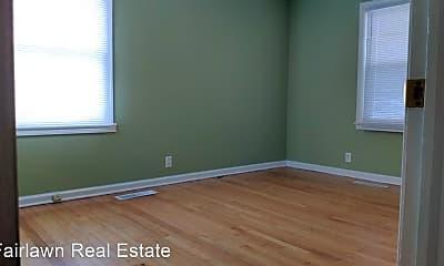 Bedroom, 1002 N Busey Ave, 2