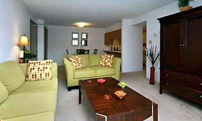 Higgins Estates Apartments, 0