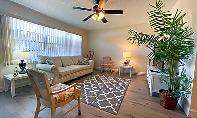 Living Room, 1063 Harwood E 1063, 0
