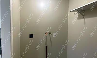 Bathroom, 195 Hanstein Pl, 2