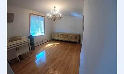 Living Room, 70-17 Main St, 1