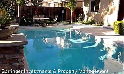 Pool, 2828 Jackson Ave, 2