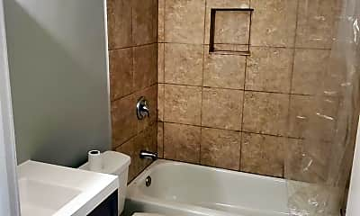 Bathroom, 2212 Nuttman Ave, 0