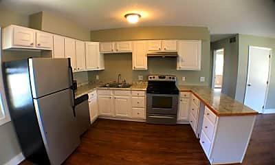 Kitchen, 303 S Oak St, 0
