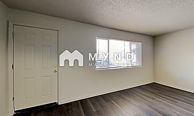 Living Room, 3667 Neil Rd, 0