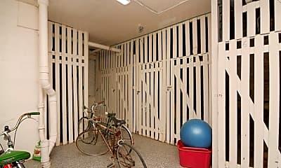 Bathroom, 2946 N Albany Ave, 2