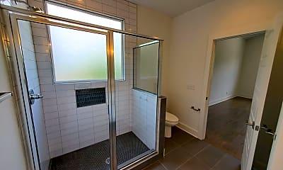 Bathroom, 1616A Porter Ave, 2