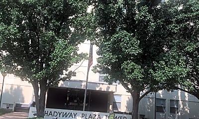 Shady Plaza Apartments, 1