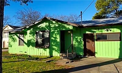 Building, 2619 N Elm St, 1