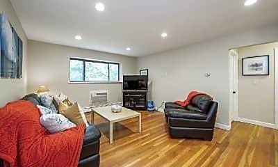 Living Room, 10 Riverside St, 2