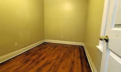 Bedroom, 644 E Ferry St, 2
