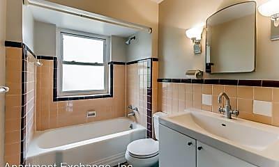 Bathroom, 8221 Delmar Blvd, 2