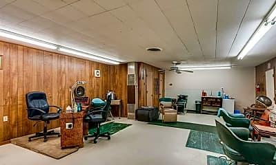 Living Room, 309 E Brown St, 2