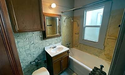 Bathroom, 7525 W Becher St, 2