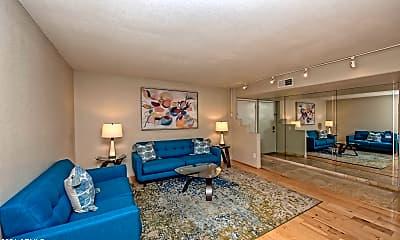 Living Room, 5213 N 24th St 208, 1