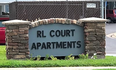 R.L. Courts, 1